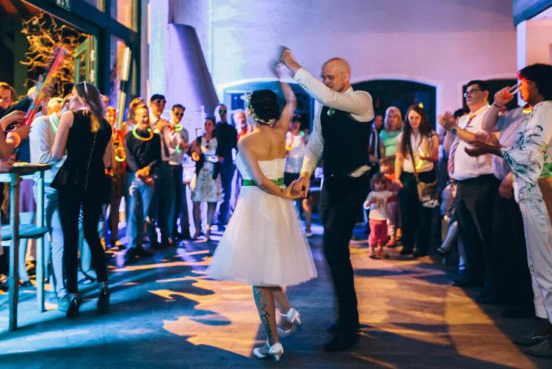 Hochzeits-DJ von Brilliant Event, DJ für Hochzeit, Firmenfeier & Event