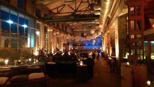 Hochzeitsmusik zum Essen, Sektempfang & Party | Beitragsbild aus dem DJ-Blog
